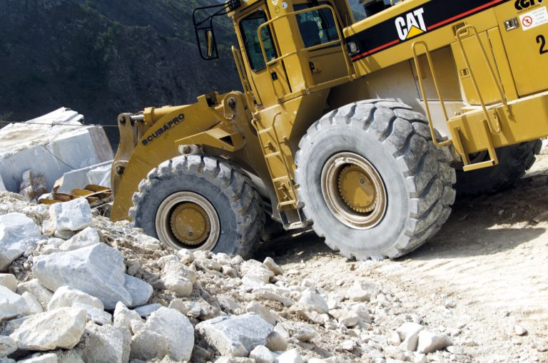 Earthmovers: retreading as the winning move.